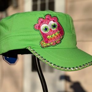 New 1 of a kind green owl Bling cap